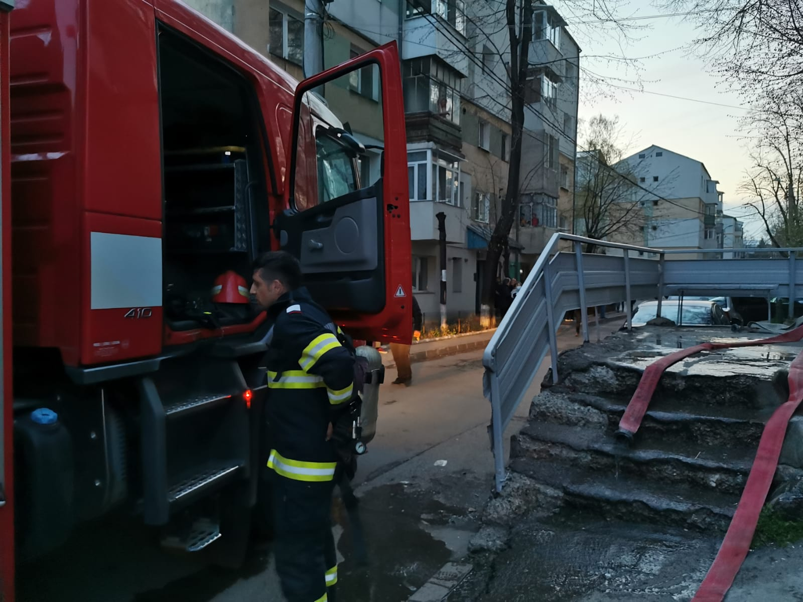 Panică într-un bloc situat pe strada Primăverii