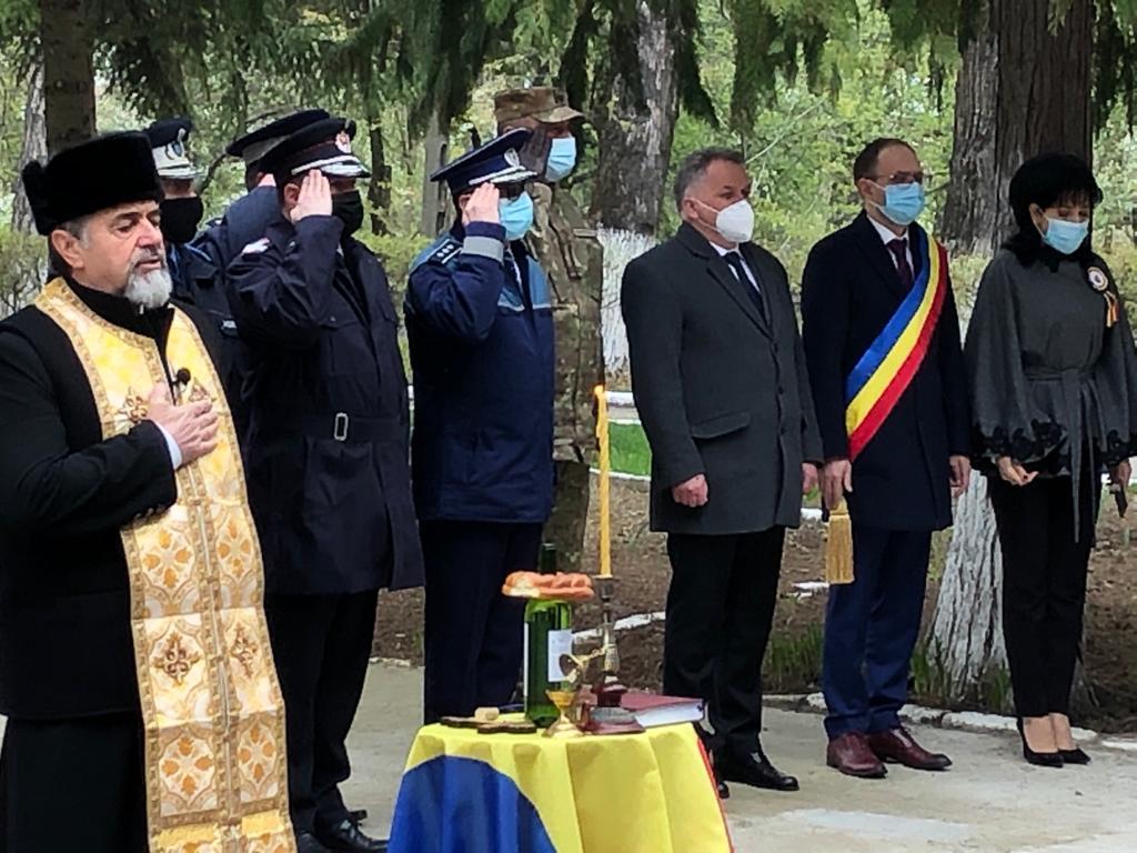 Ziua Veteranilor de Război sărbătorită prin ceremoniale militare şi religioase