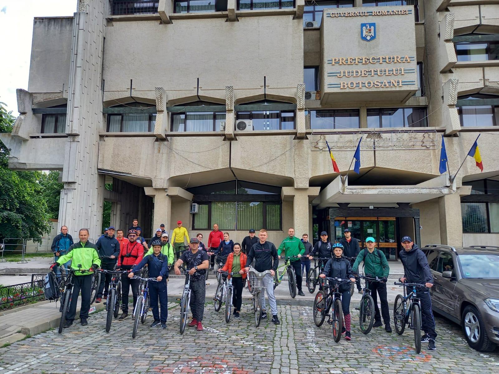 """,,Vinerea Verde"""":  Jandarmii au venit astăzi, la serviciu, cu bicicletele"""