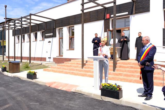 VIDEO/FOTO   Centrul de zi pentru persoane vârstnice, realizat de Orașul Ștefănești, inaugurat în prezența ministrului Muncii