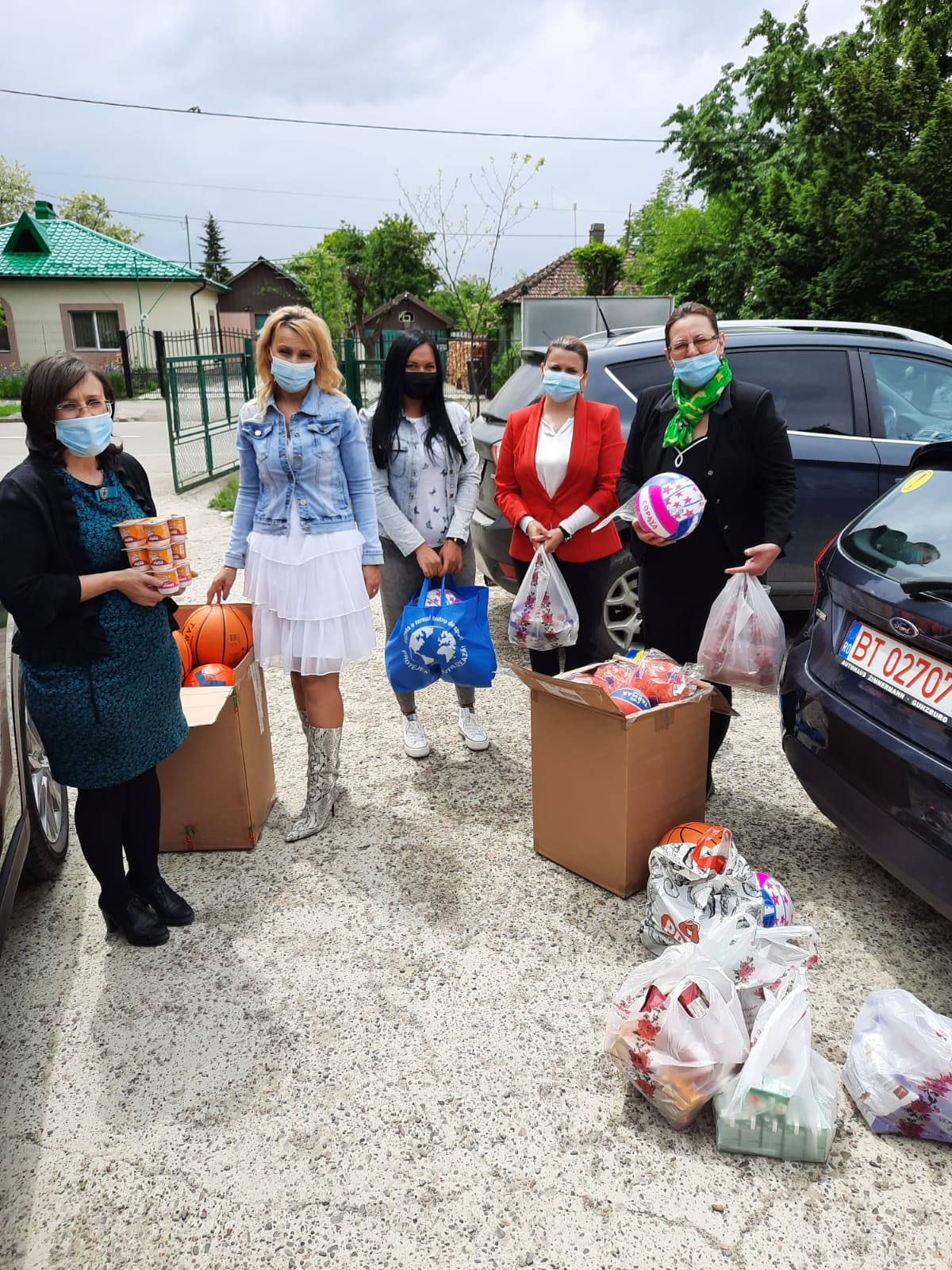 FOTO/  Social-democrații au oferit copiilor surprize dulci de ziua lor