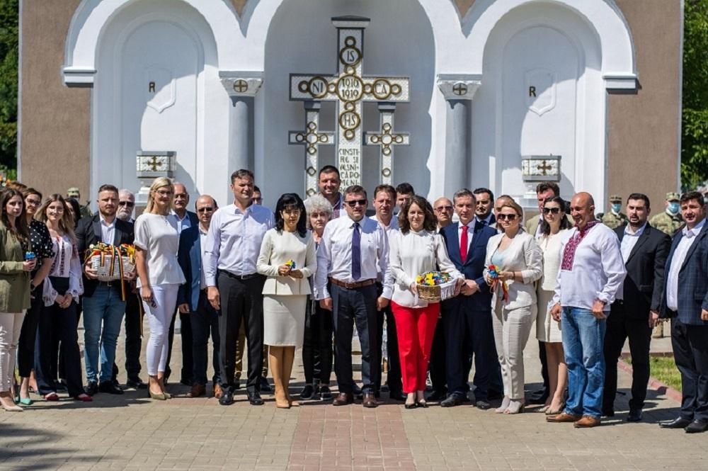FOTO/  PSD Botoșani continuă pentru al 8-lea an tradiția de cinstire a eroilor naționali