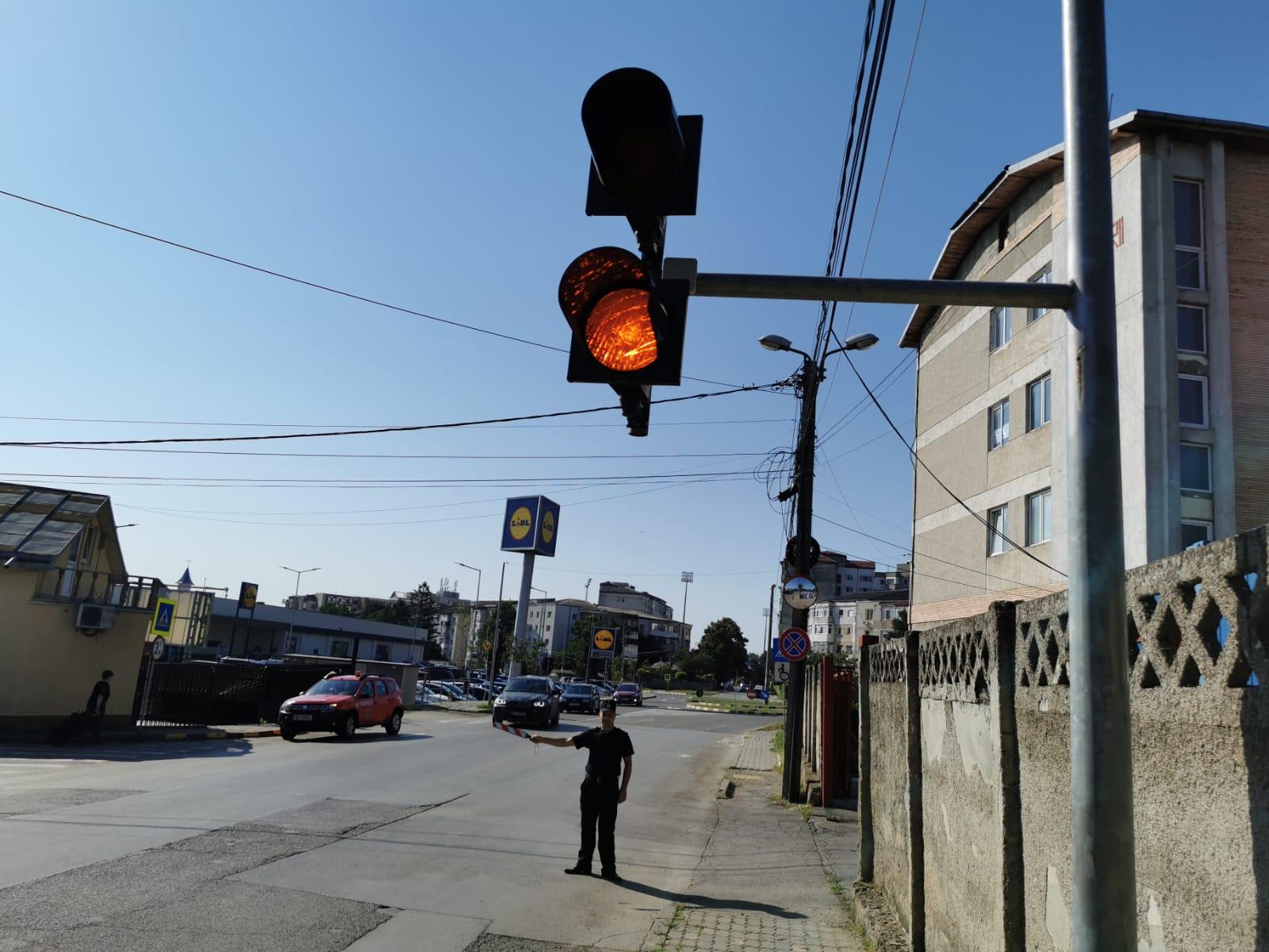 Două semafoare noi pe strada Ștefan cel Mare din municipiul Botoșani