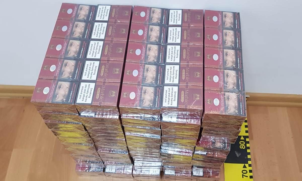 Doi ucraineni cercetaţi pentru contrabandă cu ţigări