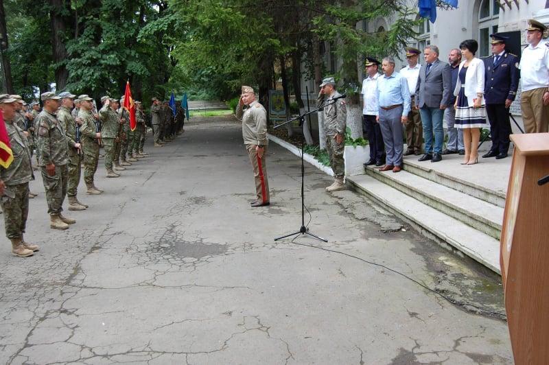 """FOTO/  Avansări în grad la Batalionului 355 de Artilerie """"Alexandru cel Bun"""" Botoșani"""