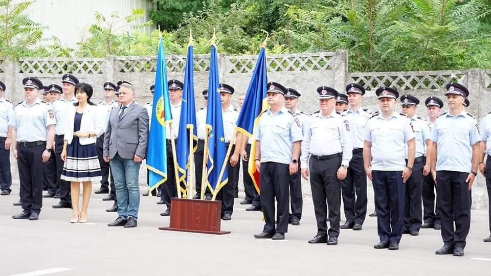 Cinci ofițeri, un maistru militar și 86 subofițeri au fost înaintați în grad