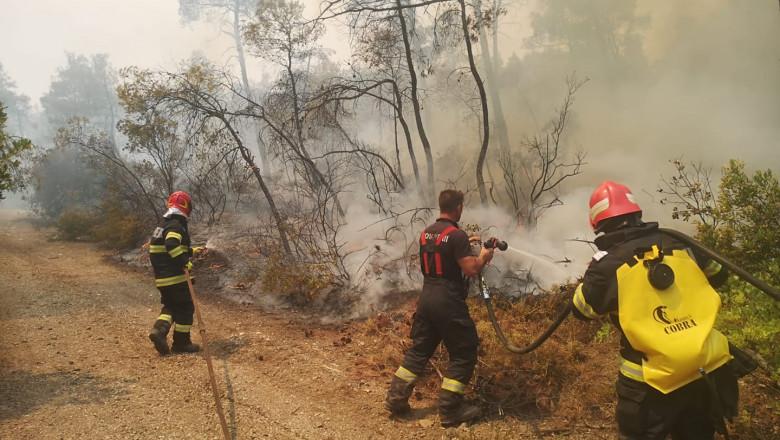 Pompierii români care au stins incendiile din Grecia s-au întors acasă