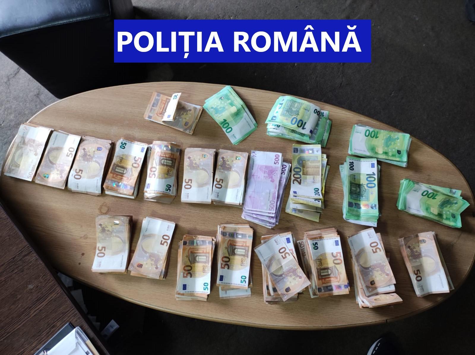 Percheziții domiciliare la persoane bănuite de contrabandă