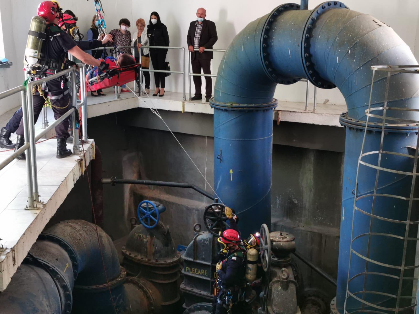 FOTO/  Aplicație a forțelor de intervenție desfășurată în două stații de epurare a apei