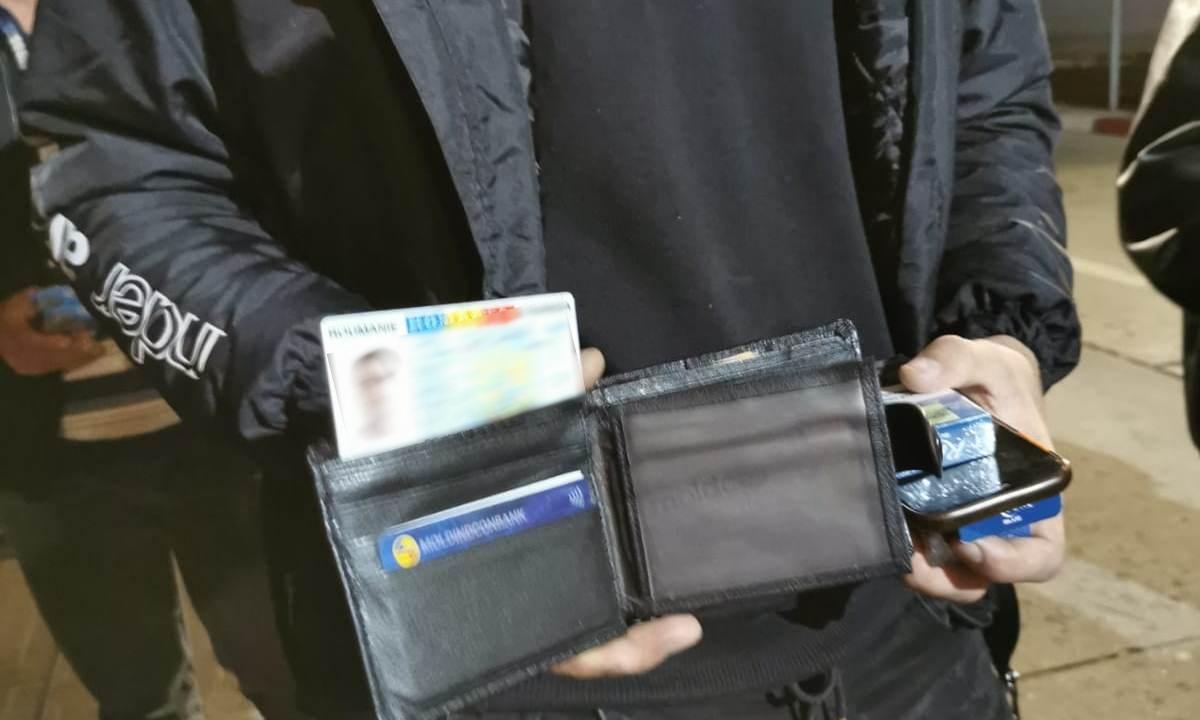 Documente false descoperite în portmoneele unor cetăţeni din Republica Moldova