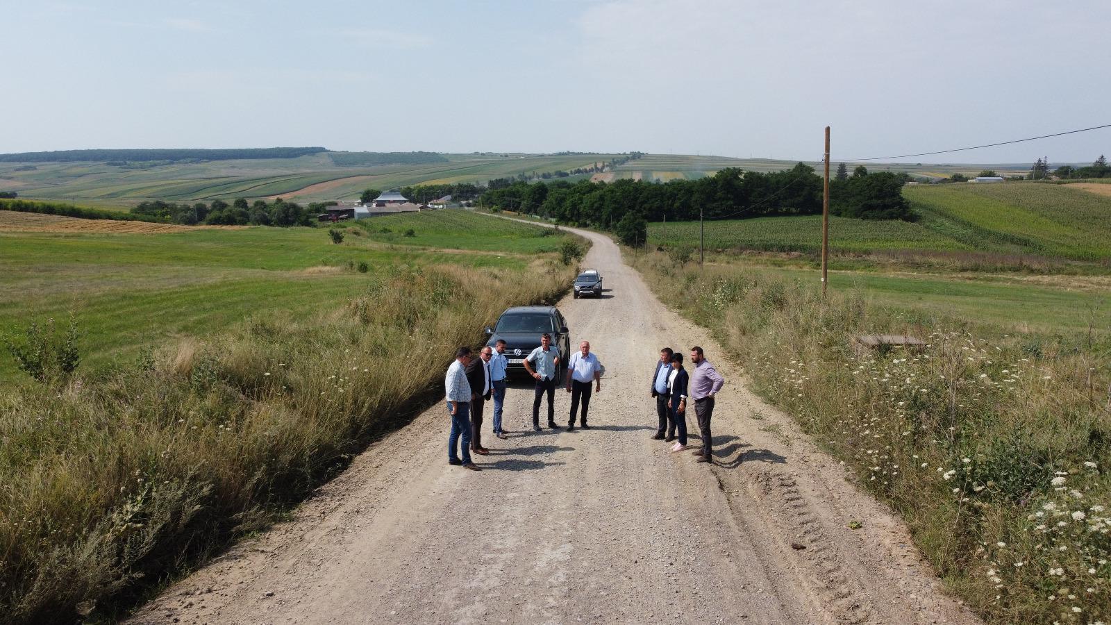 """11 sectoare de drum județean pregătite pentru finanțate prin  Programul Național de Investiții """"Anghel Saligny"""""""
